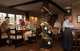 festive diners